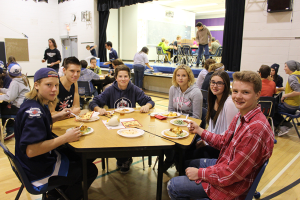 2014 10 21 - EC Spirit Week - Thanksgiving Banquet (2)